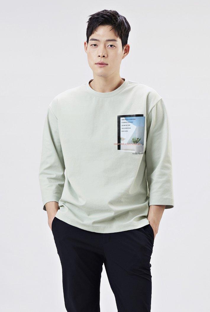 남성 세미오버핏 모던 포토그래픽 7부 티셔츠-AARK5115B0S