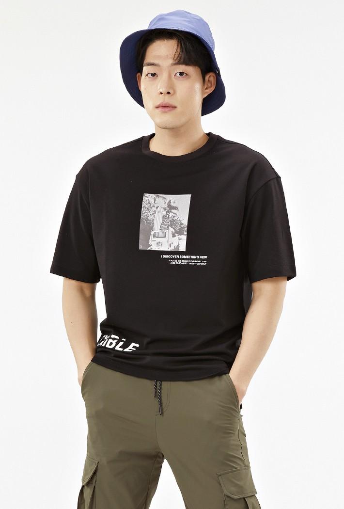 남성 세미 오버핏 전사 프린트 반팔 티셔츠-ABAK5836D03
