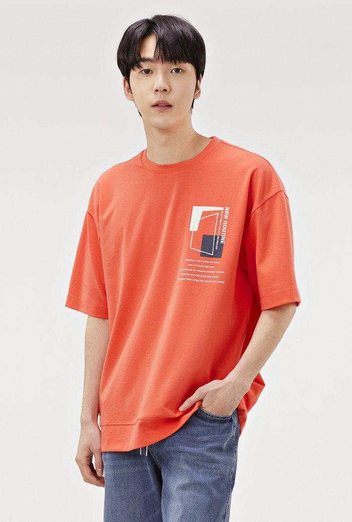 남성 세미 오버핏 드로잉 반팔 티셔츠-ABRK5825D07